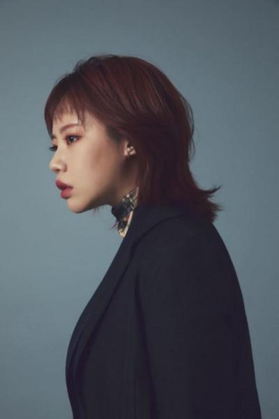 가수 '김은비', 9번째 외상 후 스트레스를 다룬 신곡 'dignity' 발매
